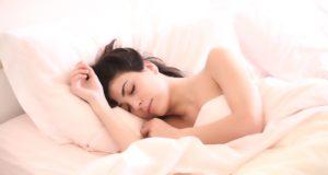 dormire sul lato destro