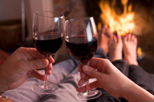bere un bicchiere di vino rosso al giorno